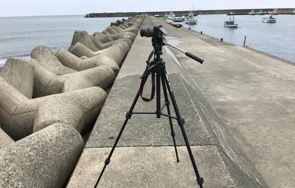 三脚とカメラ